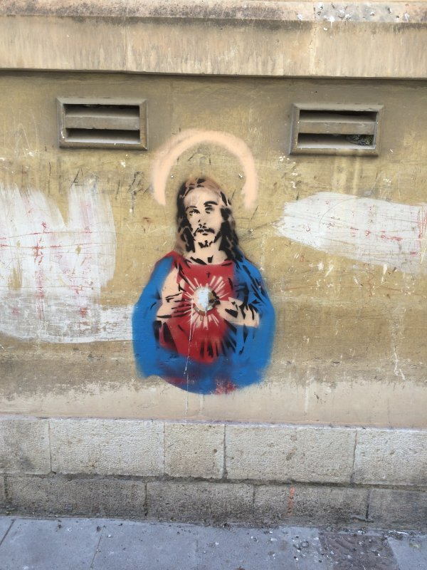 Graffiti an einer Hauswand in Valletta